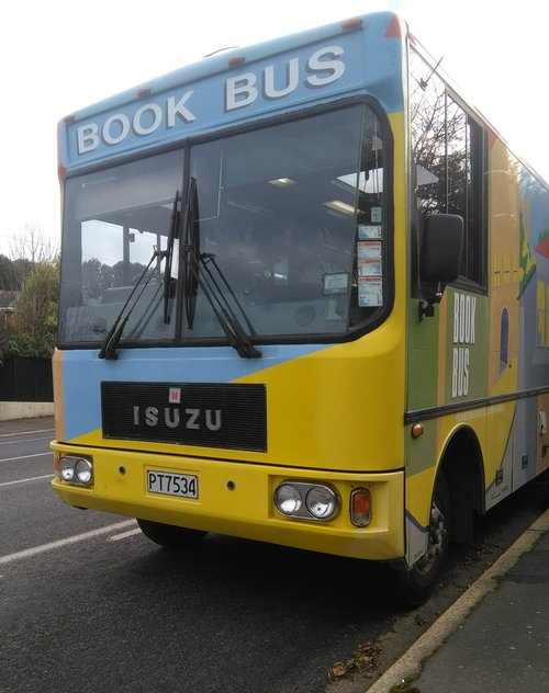 rsz_bus_front_and_side