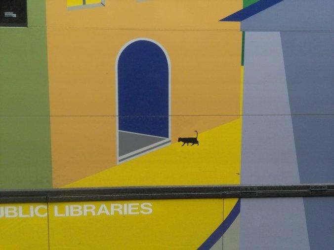 rsz_bus_side_cat_700w