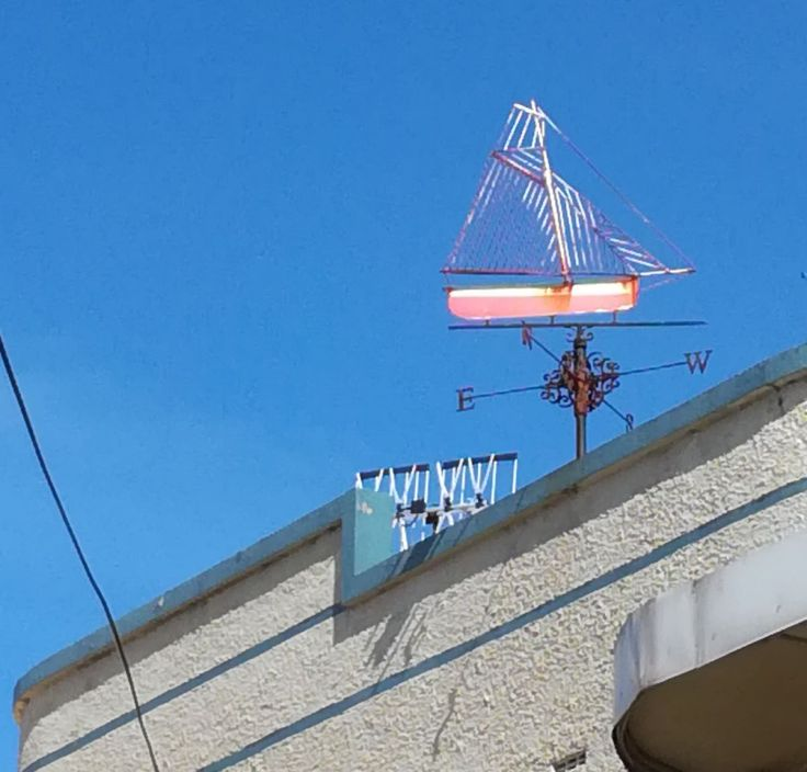 weather_vane_boat_bluff_1200w