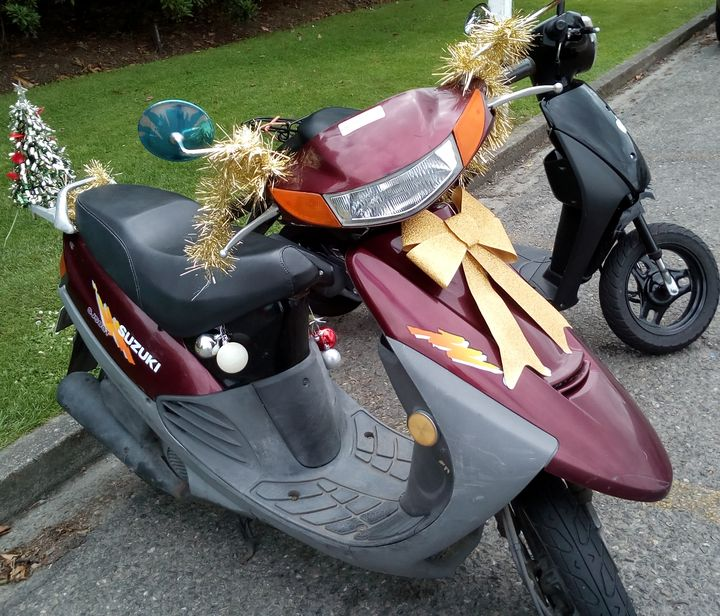 gore_xmas_scooter_01