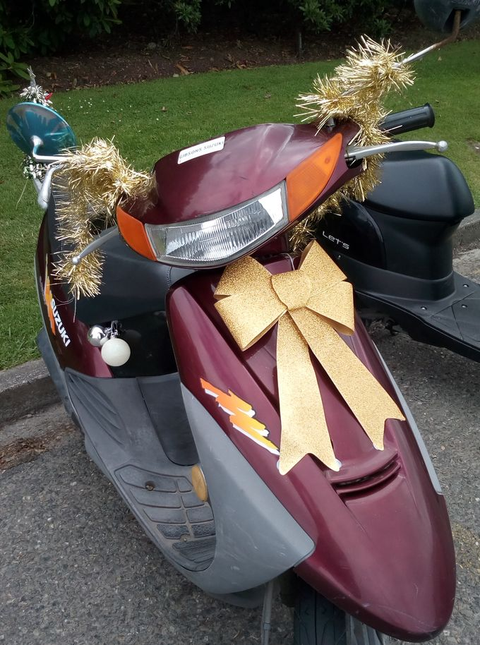 gore_xmas_scooter_02