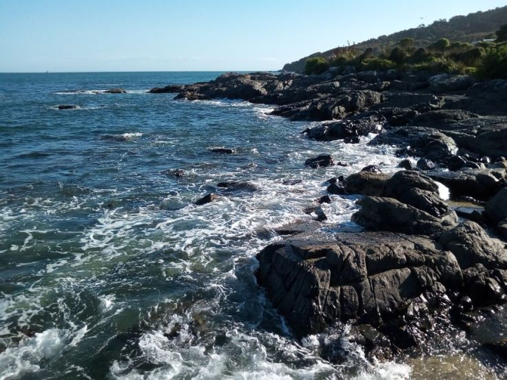 sea_at_stirling_point_bluff