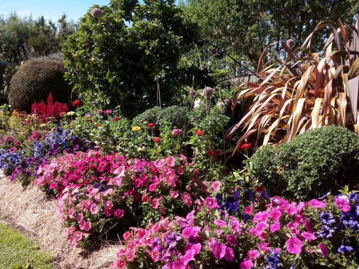riverstone_garden_bed_1800w