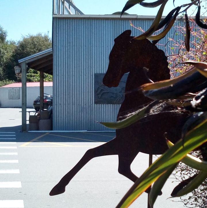 riverstone_horse_vane_01
