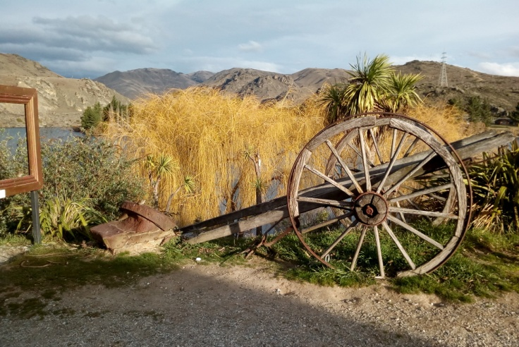 old_cromwell_willow_cart_1200w