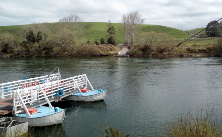 tuapeka_ferry_crossing