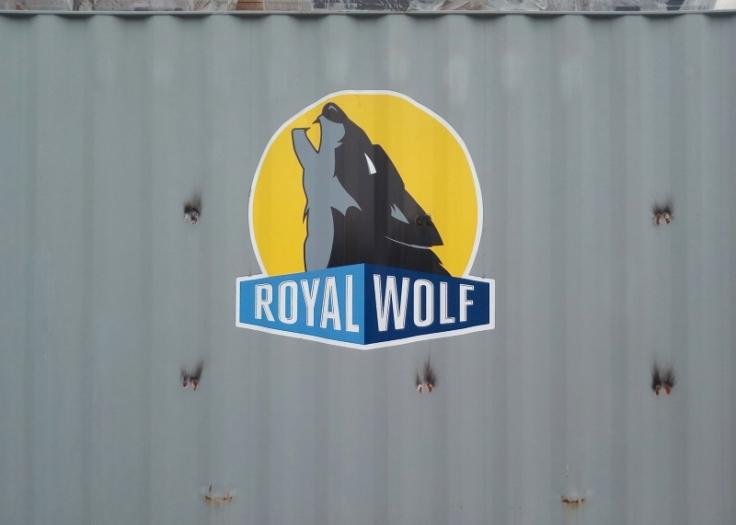 royal_wolf_01