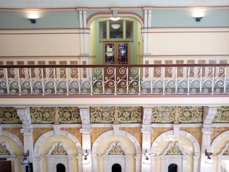 dun_railway_station_ornate_01